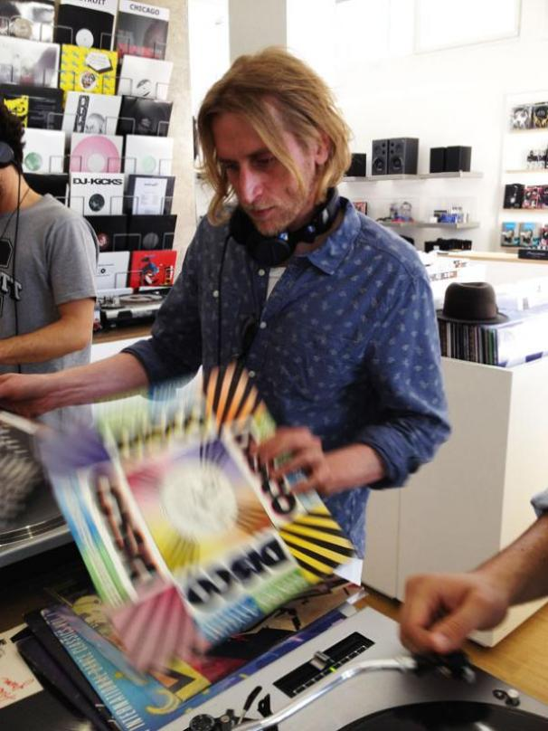 Superpitcher @ Le Disque Record Store
